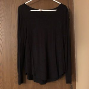 5 for $25 🔴 H&M Top